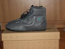 Nike Hijack Mid