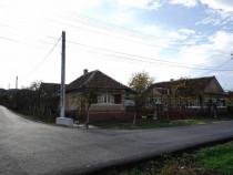 Casa / Imobil din 3 corpuri de cladiri Bobota, Salaj, centru