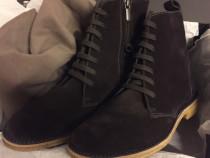 Bottega Veneta suede desert boots,produs original.