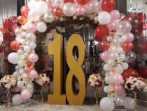 Pentru majorate - numarul 18 in combinatie cu arcada 3d