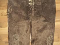 Pantaloni bavarezi,Germania ,marimea 42 ,piele intoarsa
