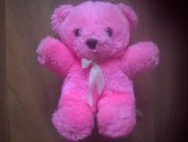 Ursuleț de pluș roz