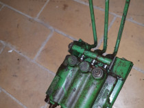 Distribuitor Hidraulic John Deere
