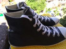 Converse piele All Star mar 41 (26. cm) made in Indonesia.