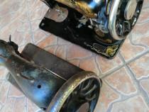 2 capuri mașina cusut SINGER