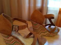Pantofi cu toc, tip platforma, viu colorati