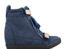 Adidasi cu platforma si insertii aurii sneakers