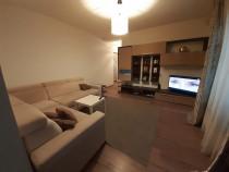 Apartament 3 camere + curte proprie +parcare Cooperativei