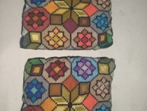 Perne in stil traditional cusute manual,25lei /perna,5 buc d