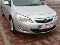 Opel Astra j benzina