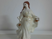 Bibelou portelan alb perlat femeie rochie 21 cm inaltime