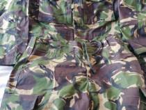Costum camuflaj