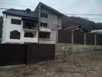 Casa tip duplex in Sarata Monteoru