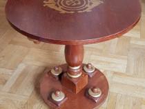 Masuta din lemn, model unicat, cu foita de aur, 55x60 cm