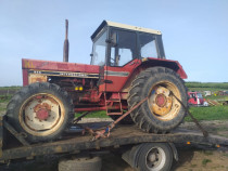 Dezmembrez Tractor Internațional 955