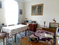 Apartament însorit - str. Lunga