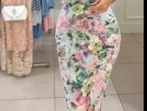 Rochie bodycon cu flori / casual, eleganta, office marimea M