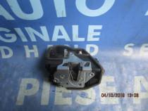 Broasca usa BMW F10 2013;  7229461 // 7229458