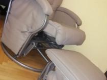 Scaun balansoar pentru alăptat cu suport picioare