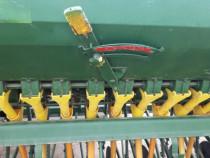 Semanatoare paioase cu fertilizare,cultivator greu,plug 4 c