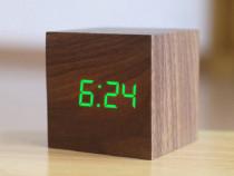 Ceas De Birou Cu LED , Wood Style Maro, Afisare Temperatura