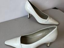 Pantofi Pepa Fuentes Spania, din piele naturala, alb murdar,