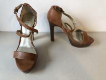 Sandale deosebiteGuess, originale, din piele naturala, maro