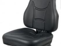 Scaun din PVC cu suspensie mecanica. Se potriveste la orice