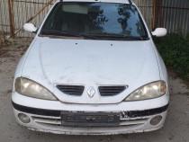 Dezmembrez Renault Megane 1 Kombi 1.6 16 Valve Automată