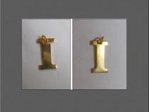 Medalion placat cu aur - litera I