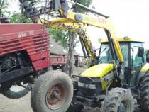 Tractor cu încărcător frontal