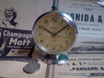 Ceas de masa rusesc SLAVA, made in URSS, de colectie