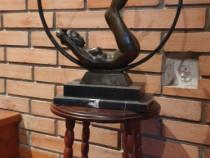 Statuetă din bronz semnat