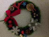 Pahare si coronițe de Crăciun