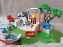 Playmobil 4193, Spalatorie cai ferma