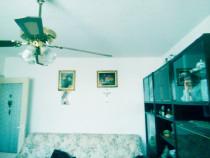 Apartament 3 camere mobilat zona foarte buna-resita nord est
