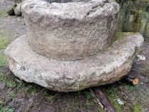 Fântână din piatră