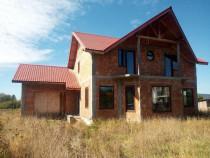 Casa la rosu in Busag, Maramures, 180 mp