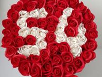 Aranjament cu flori din săpun personalizat