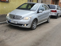 Mercedes-Benz B200 classe panoramic avantgarde
