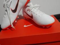 Crampoane Sport Nike