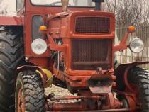 Tractor UTB 651M DT