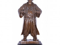 Cazac - statueta din bronz pe un soclu din marmura