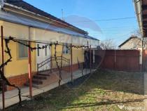 Casă cu 3 camere, de vânzare, în Simand.