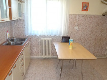 Apartament 2 camere decomandat in Deva, zona Balcescu,et. 3