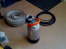 Pompa submersibila electrica de debit de inchiriat