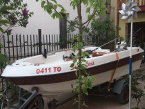 Barca cu motor Johnson 15 cp si peridoc acte la zi !