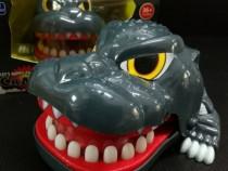 Jucarie funny pentru copii , dinozaur muscator cu dinti dent