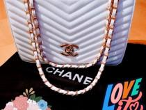 Geantă Chanel/logo metalic auriu, new model/Franta