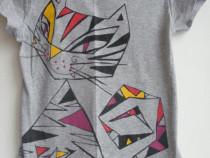 1 - Tricou gri cu pisica + 1 - maieu tot cu pisica + Bonus